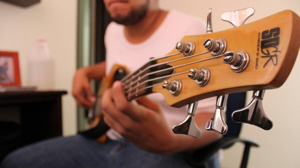 bass-1283554_1920