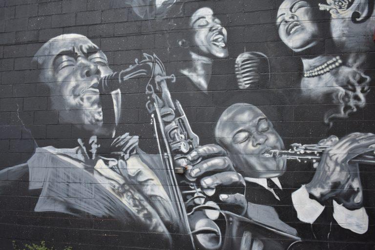 ジャズメンの壁画