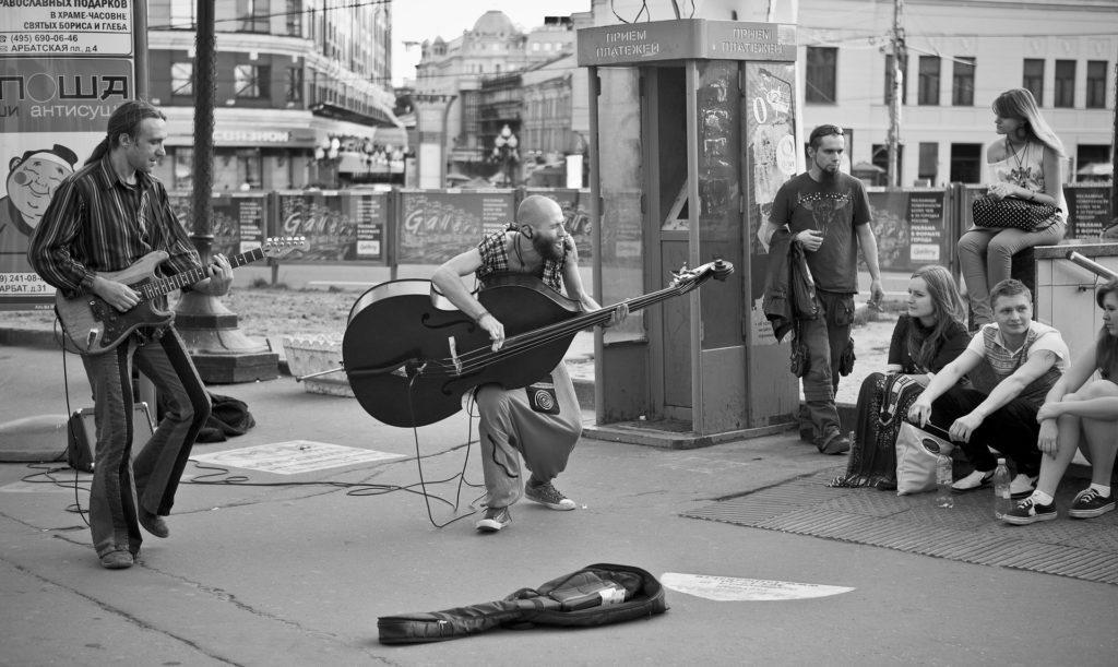 street-musicians-5142265_1920