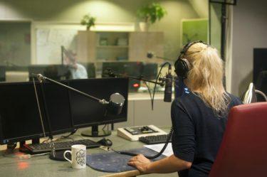 憧れの仕事!ラジオパーソナリティーになる方法