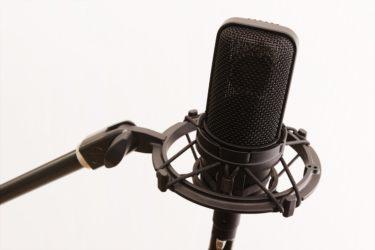 歌手や声優は声が命!喉を壊さない日常ケア法を徹底解説